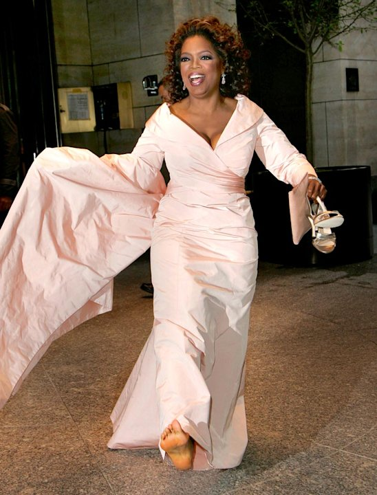 Oprah Winfrey barefoot