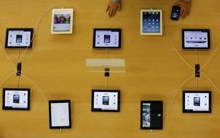 IBM to offer iPads and iPhones for business users