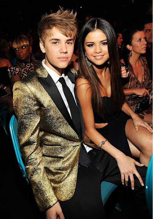 Beiber Gomez Billboard Music Awards