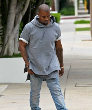 Kanye West 'Will Not Face Felony Charge After Paparazzi Scuffle'