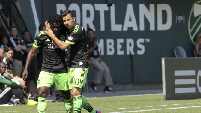 Martins scores 2 in 4-2 Seattle win over Portland