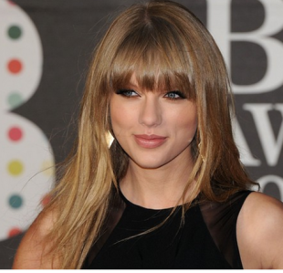 Taylor Swift&#8217;s Rhode Island Mansion is so Fancy Someone Got Arrested Just for Swimming Near it (Seriously)