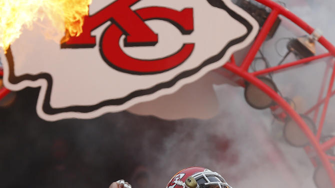 Chiefs' Berry cleared to return after lymphoma treatments