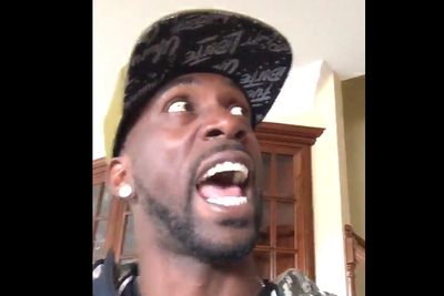 Andrew McCutchen is so bored there's no baseball he's trying to become a Vine star
