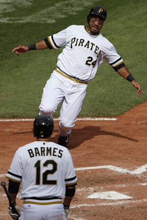 Pirates slip past Cardinals for 2-1 victory