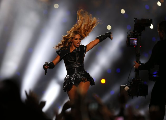 Beyonce performs during the halftime show of the NFL Super Bowl XLVII football game in New Orleans, Louisiana, in this February 3, 2013 file photo. Beyonce was forced to cancel her show in Antwerp, Belgium, on May 14, 2013 because of dehydration and exhaustion, concert venue Sportpaleis said in a statement.  REUTERS/Jeff Haynes/Files (UNITED STATES - Tags: ENTERTAINMENT SPORT FOOTBALL)