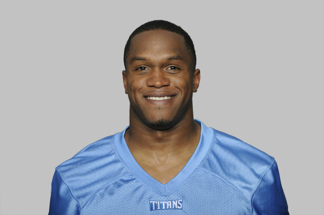 FILE - This 2012 file photo shows O.J. Murdock of the Tennessee Titans NFL football team. Police say a Titans player has died of an apparent suicide. Tampa police spokeswoman Andrea Davis says officers found 25-year-old O.J. Murdock inside his car Monday morning, July 30, 2012, with what appeared to be self-inflicted gunshot wounds. The car was parked in front of Middleton High School, where Murdock attended school. He was taken to Tampa General Hospital, where he later died. (AP Photo/File)