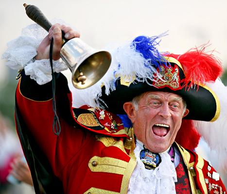 "Town Crier Who Announced Royal Baby's Birth ""Was Not Invited,"" ""Crashed the Party"""