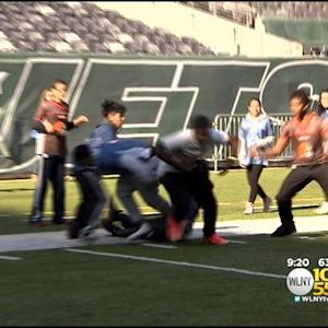 Former Jets, Giants Players Inspire Kids At MetLife Stadium's Gridiron Games