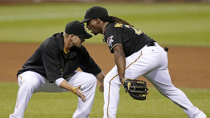 Pirates slip by Cardinals 5-4 for 4th straight win