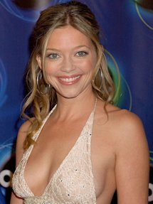 Photo of Amanda Detmer