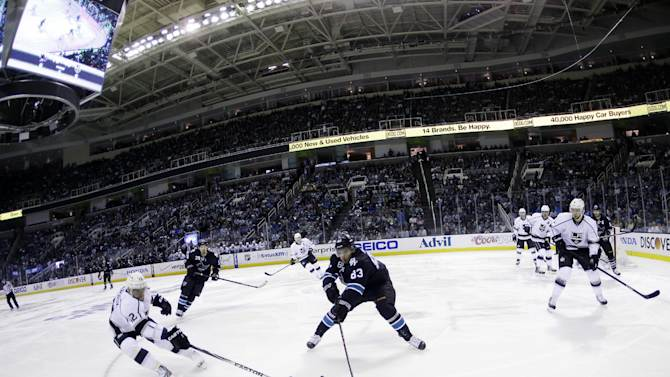 Kings cap comeback with 5-1 Game 7 win vs Sharks