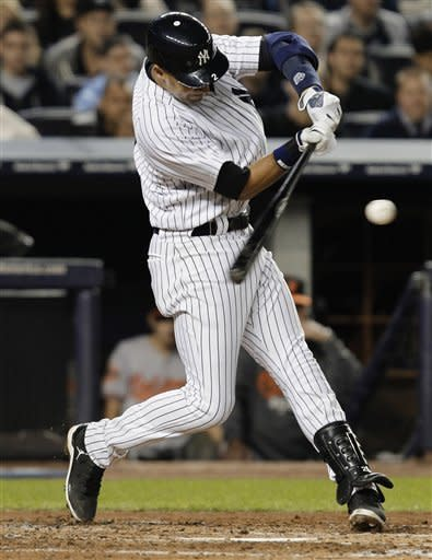 Ibanez 9th-inning HR leaves Yanks, O's tied 2-all