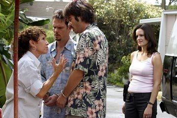 Rhea Perlman, Kevin Dillon, Billy Burke and Carla Gugino