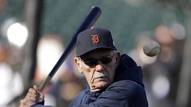 Detroit Tigers manager Jim Leyland hits field practice before Game 2 of baseball's World Series against the San Francisco Giants Thursday, Oct. 25, 2012, in San Francisco. (AP Photo/Marcio Jose Sanchez)