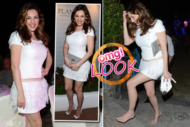 Kelly Brook auf Ischia: Ohne Schuhe - aber mit Stil! (Bilder: Getty Images)