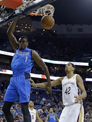 Nowitzki leads Mavs past Pelicans 107-90