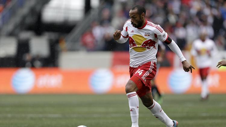 Henry, Steele lead Red Bulls past Dynamo, 4-1