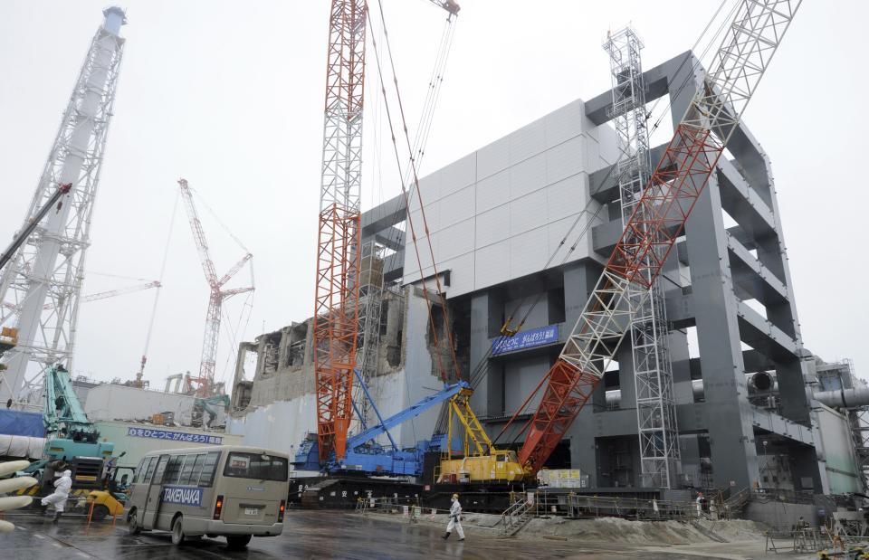 Fukushima plant steps closer to fuel-rod removal