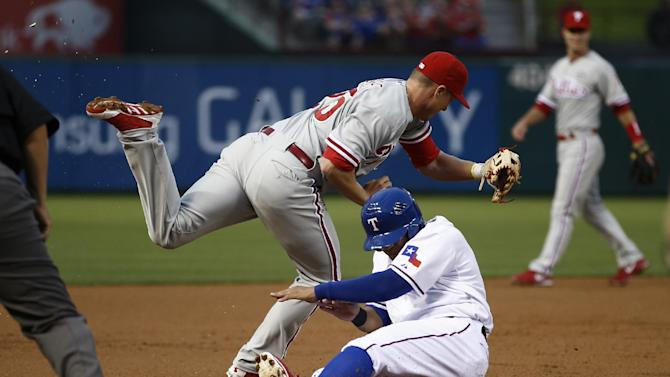 Choo bases-loaded walk, Texas 4-3 win over Philly