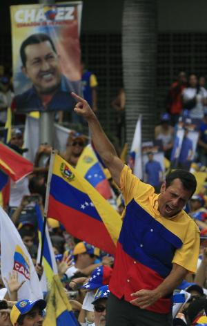 Capriles leads huge rally in Venezuelan capital