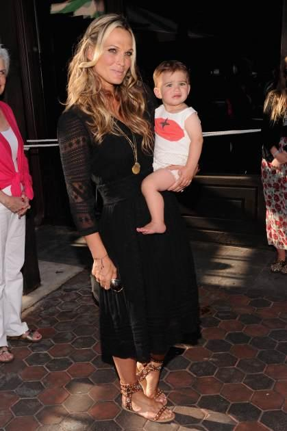 Molly Sims attends the 2013 Baby Buggy Bedtime Bash hosted by Jessica and Jerry Seinfeld and sponsored by Johnson & Johnson and Britax/Bob at Victorian Gardens in Central park on June 5, 2013 in New York City -- Getty Images