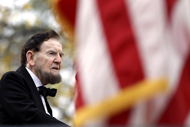 Jim Getty, portraying President Abraham Lincoln, delivers his rendition of the Gettysburg Address during a ceremony to mark the 149th anniversary of Lincoln&#39;s speech at Soldier&#39;s National Cemetery in Gettysburg, Pa., Monday, Nov. 19, 2012. Director Steven Spielberg and historian Doris Kearns Goodwin were also on hand to deliver remarks and participate in a wreath-laying ceremony. (AP Photo/Patrick Semansky)