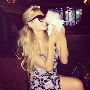Paris Hilton's New Pooch Is The Smallest Pomeranian You've Ever Seen!