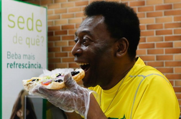 Pele: busy eating a sandwich (Getty)