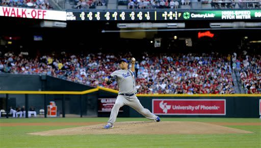 Ryu's pitching, hitting leads Dodgers past D-backs