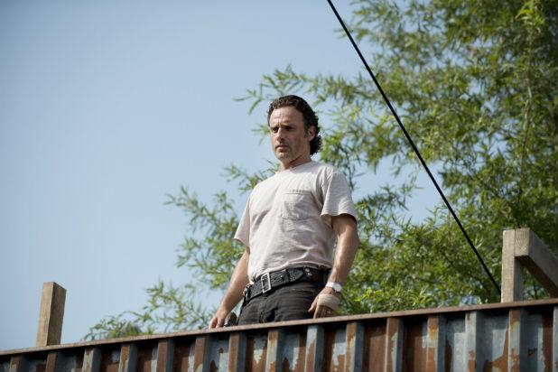 'The Walking Dead's' Andrew Lincoln Teases Midseason Finale: 'It's Going to Be Bananas'