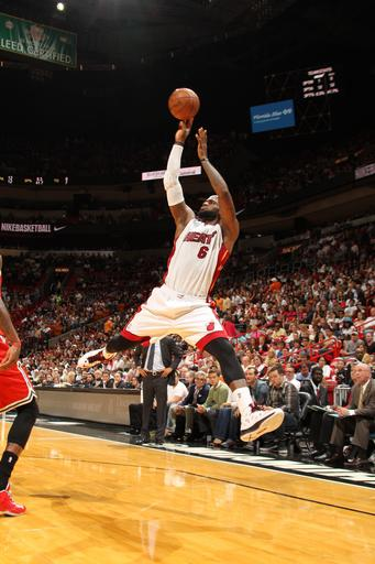 Heat tie team mark with 61st win, top Bucks 94-83