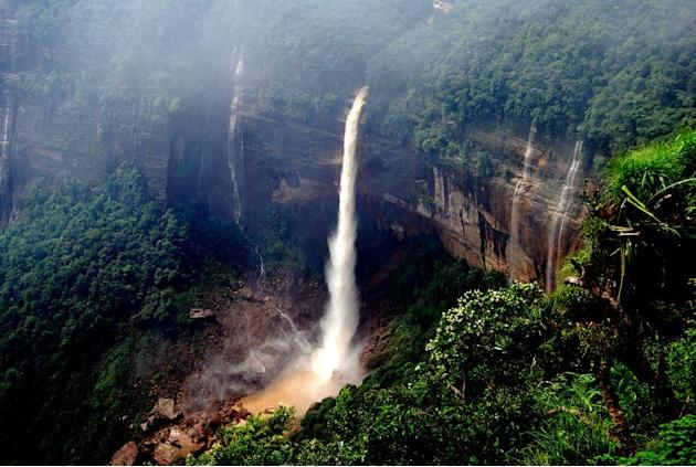 Travel Cherrapunji Waterfall, Karnataka
