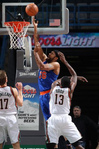 Anthony scores 29, Knicks win in Milwaukee