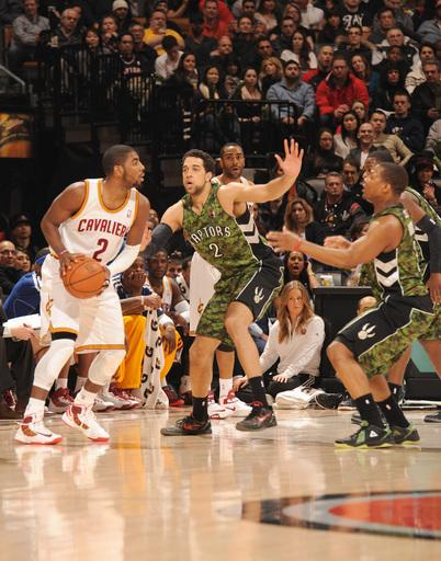 Irving lifts Cavaliers past Raptors 99-98