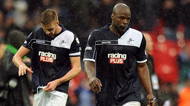 (L-R) Millwall's Mark Beevers and Danny Shittu (PA Photos)