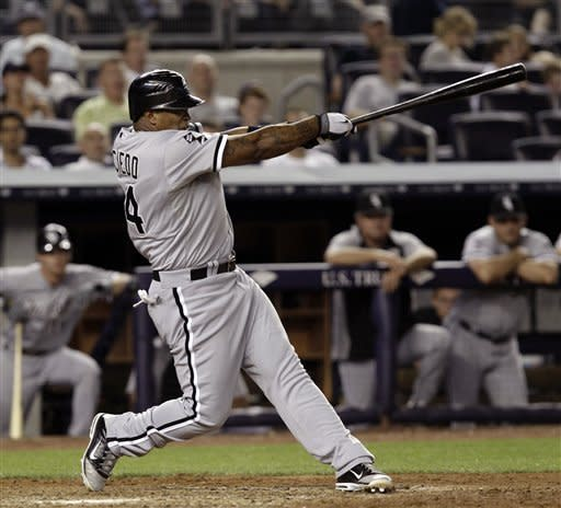 Viciedo hits 3-run HR in 9th, White Sox top Yanks