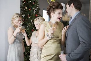 Christmas kissing tips for under the mistletoe