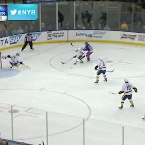 Pekka Rinne Save on Martin St. Louis (09:20/1st)