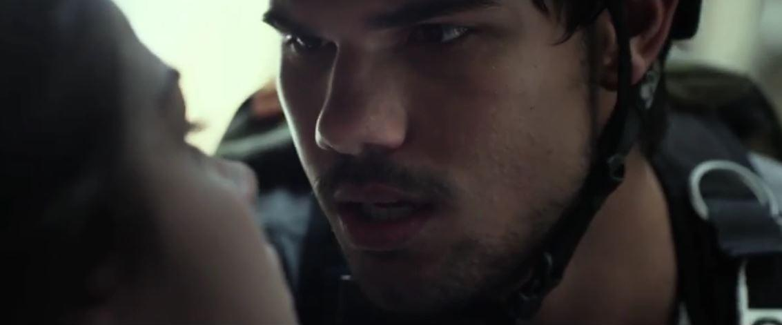 Hey, Team Jacob, 'Twilight Saga's Taylor Lautner's Action Career Takes DirectTV Detour: Trailer