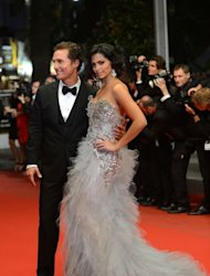 US actor Matthew McConaughey and Brazilian model Camila Alves served Brazilian rotisserie meats at their Texas wedding over the weekend