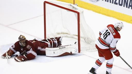 Lindholm's shootout goal leads Hurricanes over Coyotes 2-1