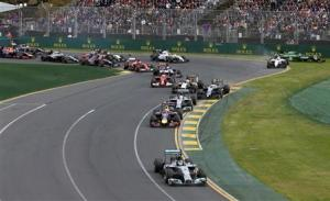 Mercedes Formula One driver Rosberg of Germany leads the pack at the start of the Australian F1 Grand Prix in Melbourne