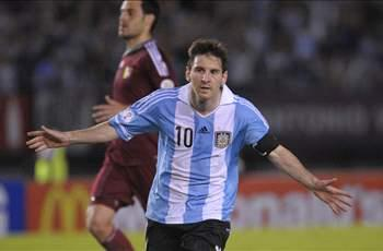 Messi hails Argentina partnership with Higuain