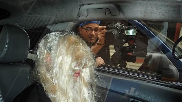 Amanda Bynes departs Manhattan Central Booking at Manhattan Criminal Court on May 24, 2013 in New York City -- Getty Premium