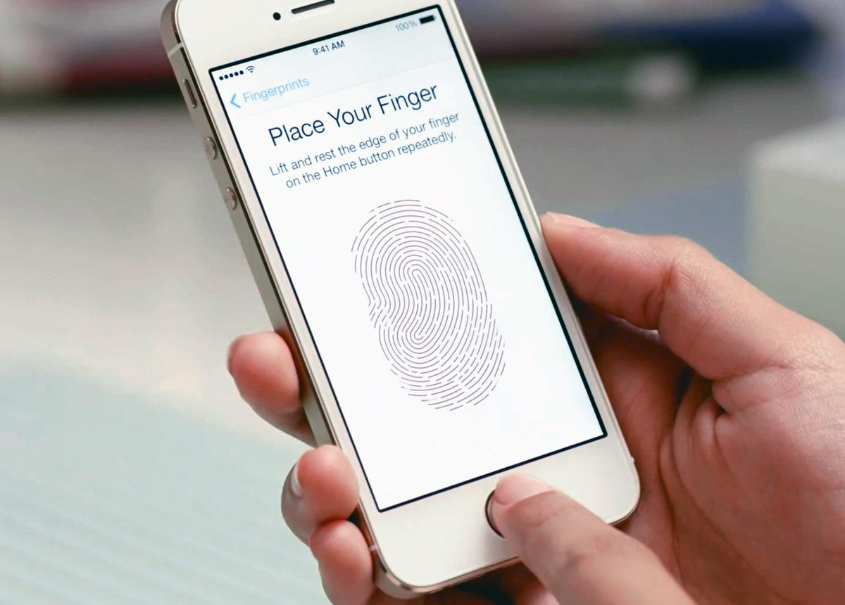 Court forces woman to provide fingerprint to unlock her iPhone