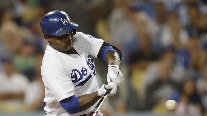Dodgers' Uribe hits 3 HRs for 1st time in career
