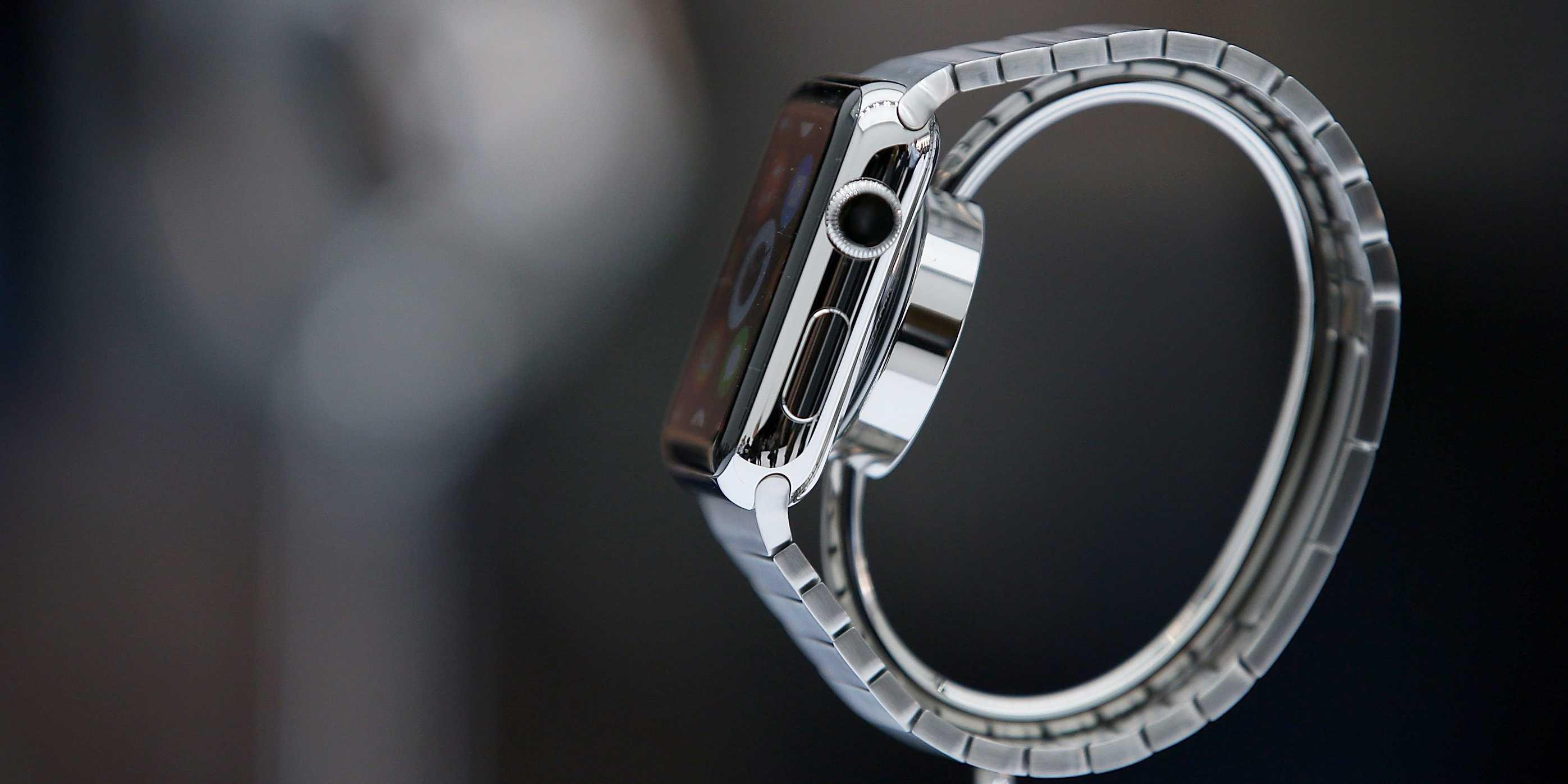 The New York Times is creating one-sentence stories for the Apple Watch