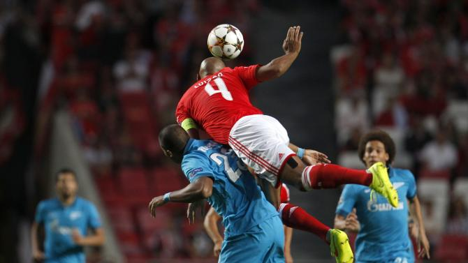 Benfica's Luisao fights for the ball with Zenit's Jose Rondon during their Champions League Group C soccer match at Luz stadium in Lisbon