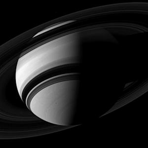 Incredible NASA Photos Show Saturn's Rings and Clouds